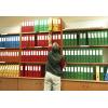 Los archivadores neutrales cumplen con su cometido, pero ¿verdad que los archivadores personalizados tienen mucha más clase? / imagen ©iStockphoto.com/sase