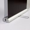 Las dos banderolas se pueden guardar en un único estuche de aluminio (similar a la imagen)