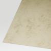 Primer plano de cartulina marmolada marrón de 200 g/m²