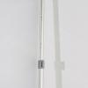 El listón de fijación se puede regular fácilmente a distintas alturas (similar a la imagen)